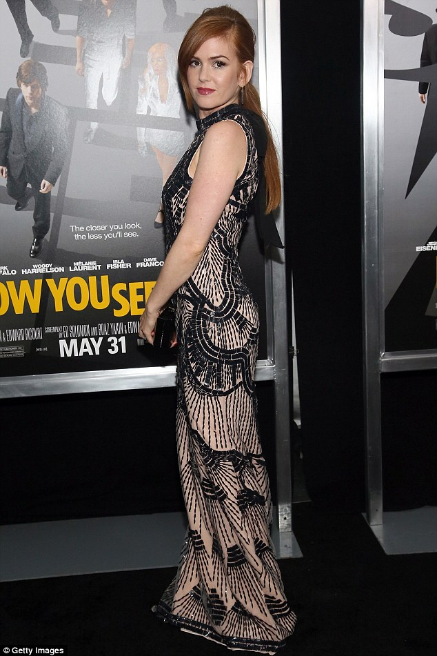 New York Isla Fisher Gets Lacy At Now You See Me Premiere 187 Hydrogen Mag