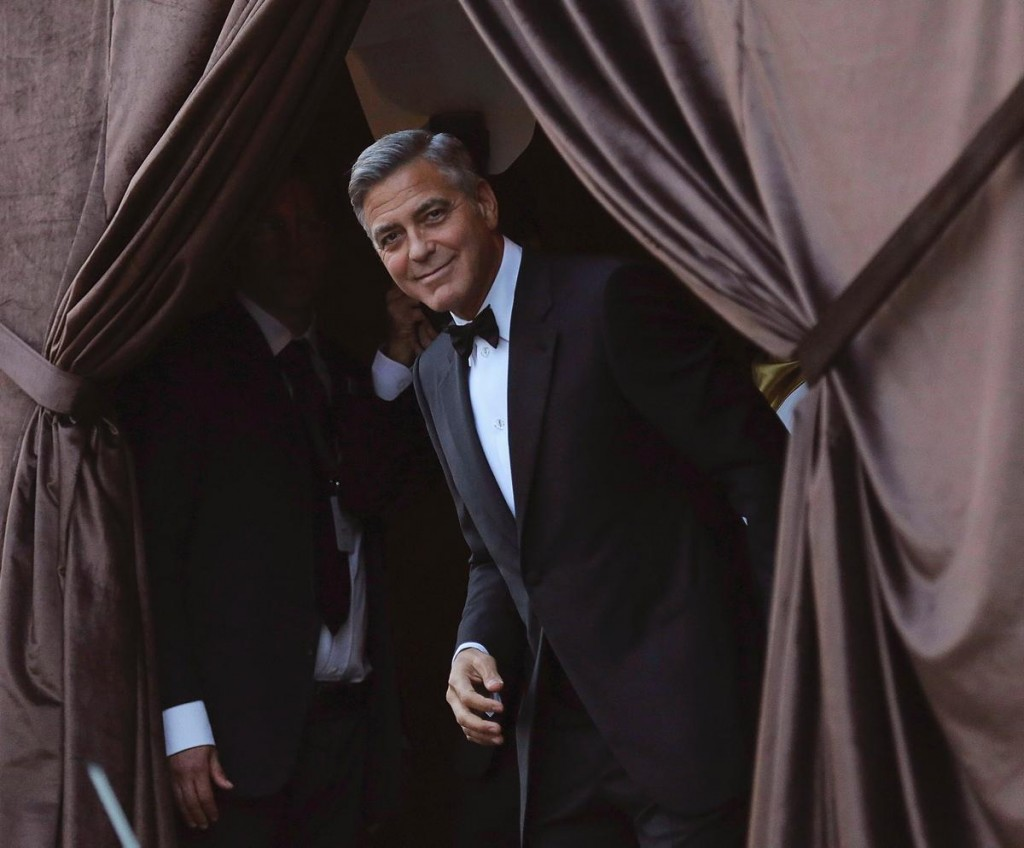 eternal bachelor george clooney marries human rights lawyer amal alamuddin in venice hydrogen mag. Black Bedroom Furniture Sets. Home Design Ideas