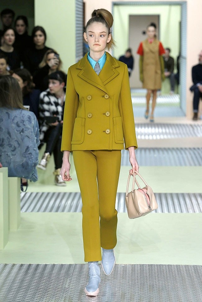 MILAN FASHION WEEK  PRADA GETS ALL LADYLIKE WITH AUTUMN  WINTER 2015 ... 6bf056683a515
